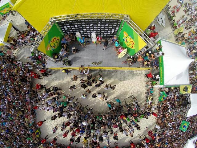 8 Crowd Oi Rio Pro WSL  Kelly Cestari