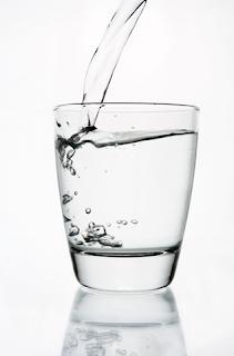 Khasiat dan Manfaat Minum Air Putih