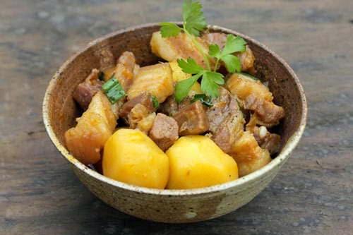 Braised Pork with Potato - Thịt Heo Kho Khoai Tây