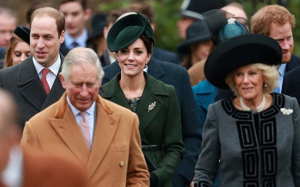 Kate Middleton attend Christmas church service