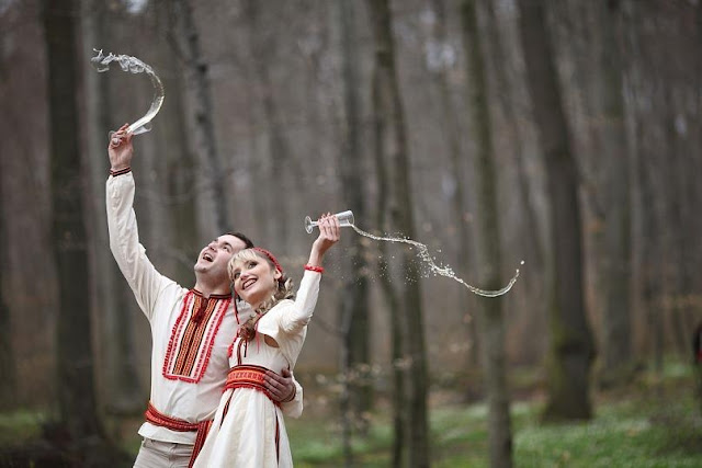 Молодята у строях від студії Гойра, Львів