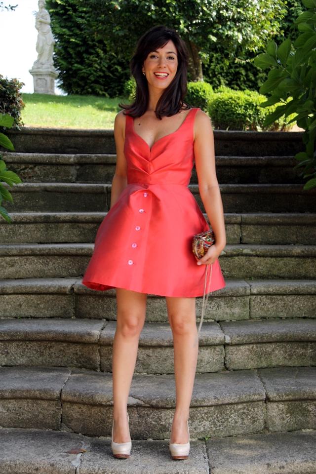 Wedding outfit invitada de boda con vestido corto oh my for Boda en jardin vestidos