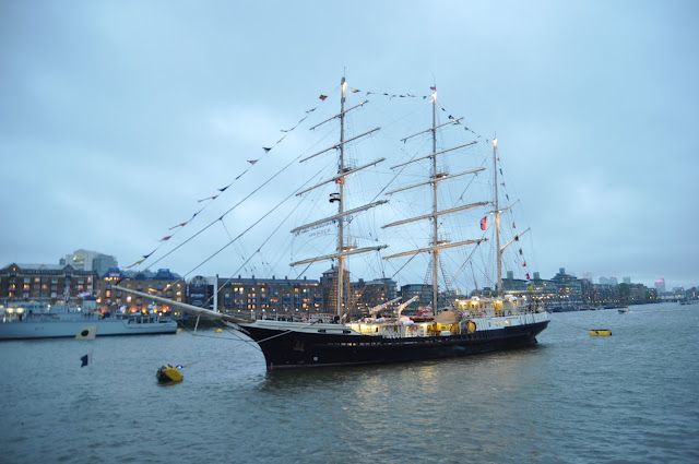 Queen+Diamond+Jubilee+Thames+Pageant+photo+mast+ship+Tenacious