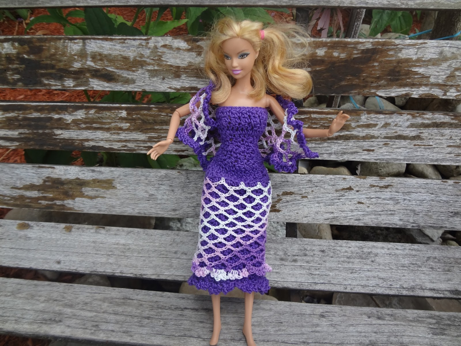 Niftynnifer\'s Crochet & Crafts: Free Barbie Shawl Crochet Pattern