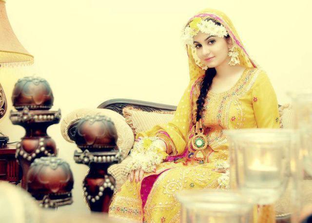 Latest Pakistani Bridal Multi Color Mehndi Outfits 2013