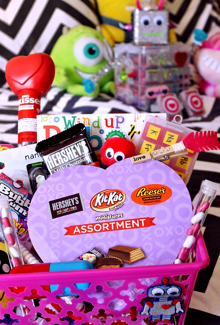 Share Valentine's Day with the youngest members of your family- Make a Nerd Love gift basket for the tween in your life, or a DIY Robot Chocolate Box filled with Hershey's candy favorites. #HSYMessageOfLove #Sponsored