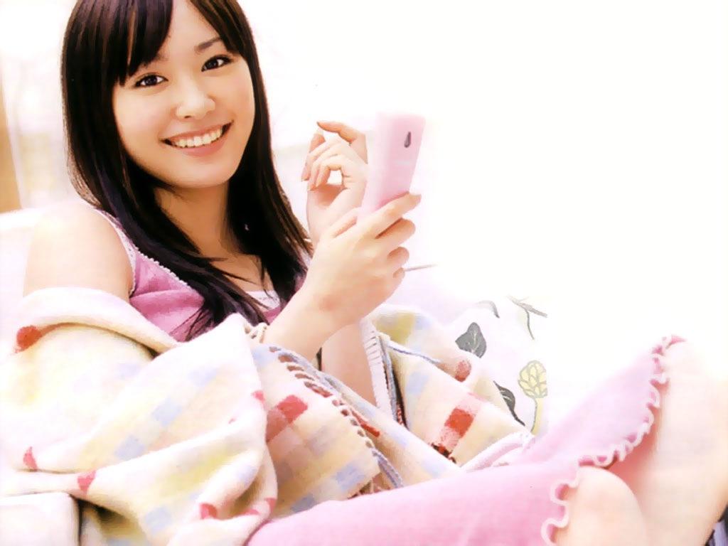Yui Aragaki : try-wallpaper.blogspot.com