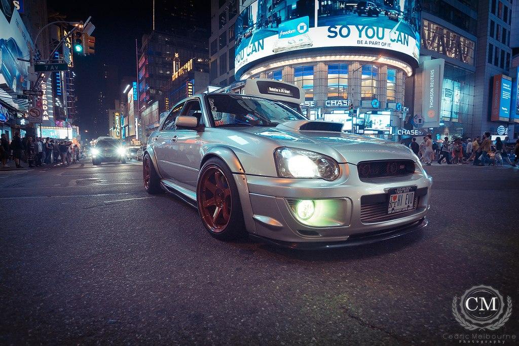 Subaru Impreza GD, nocna fotografia, samochody nocą, auta po zmroku, wieczorem, mrok, japońskie, motoryzacja, JDM, tuning, zdjęcia, photos, at night, cars, photography, 夜間撮影