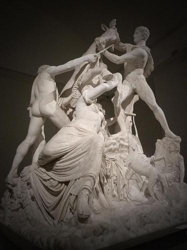 Apolônio de Tralles. O Touro de Farnese