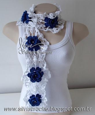 cachecol com flores azul marinho, azul marinho, branco, cachecol de flores de croche, croche, cachecol feminino, cachecol delicado