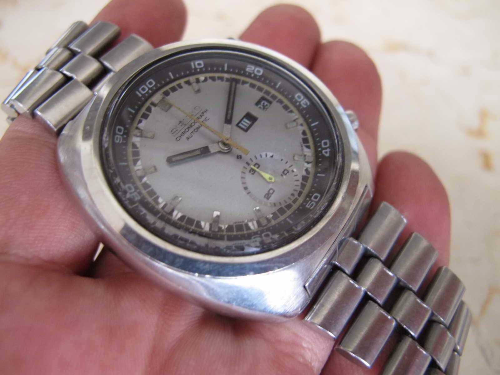 jam legendaris Seiko Chronograph dengan sebutan JENGKOL ini dengan kondisi