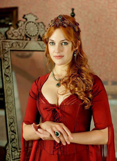 Meryem Uzerli una din vedetele serialului Suleyman Magnificul - sub