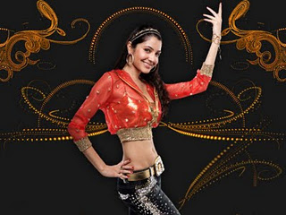 Anushka Sharma in Skirt, Anushka Sharma Pictures and Wallpapers