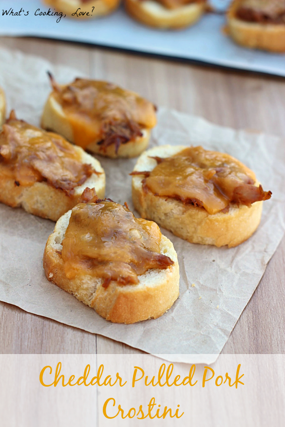 Cheddar Pulled Pork Crostini