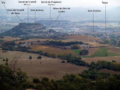 Vistes de Tona i el Serrat del Castell des del camí de Colldarnau
