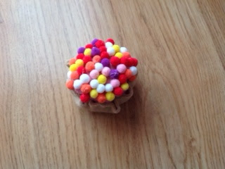 DIY play food - felt cupcakes