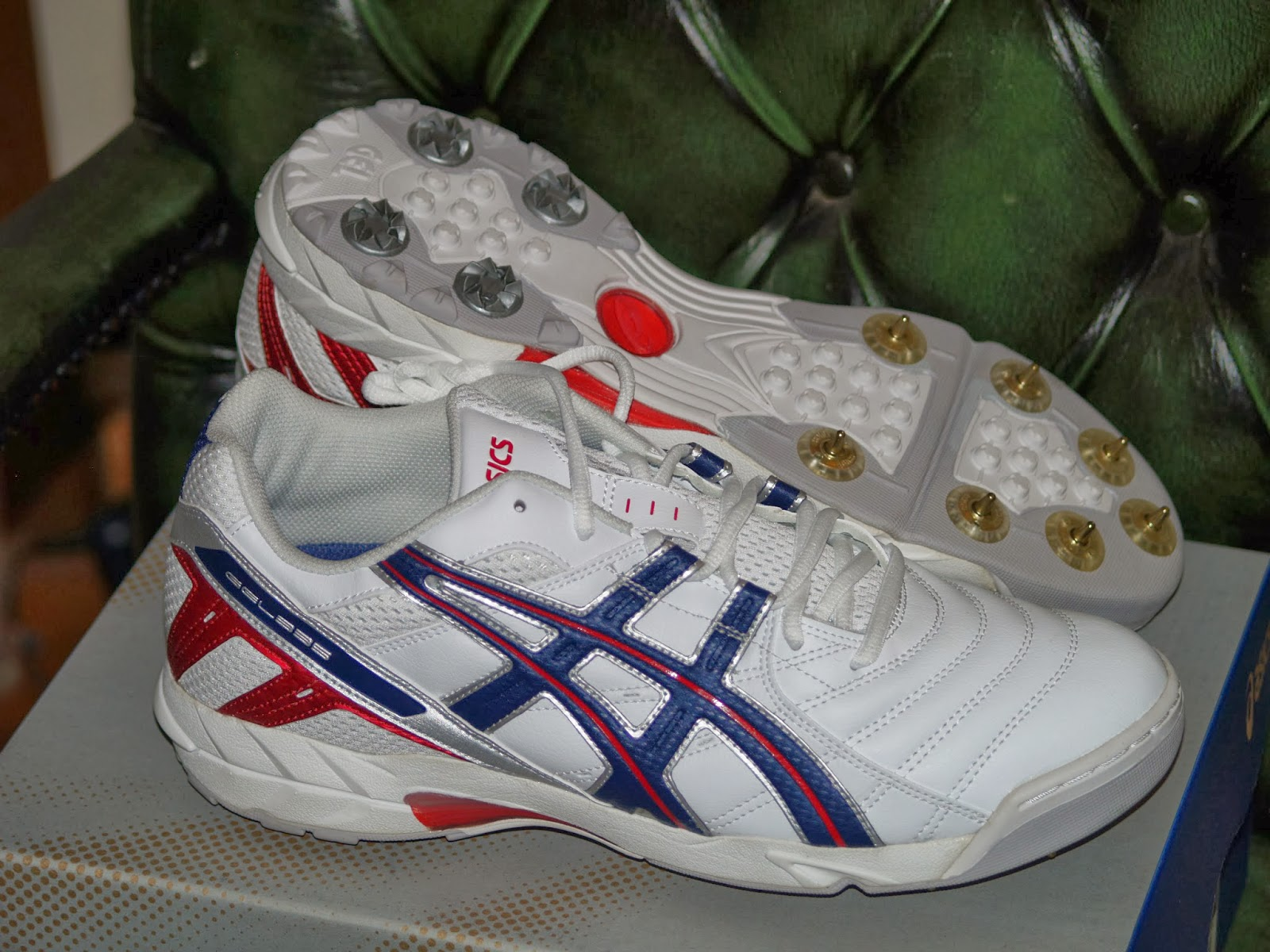 asics gel 335 mens cricket shoes