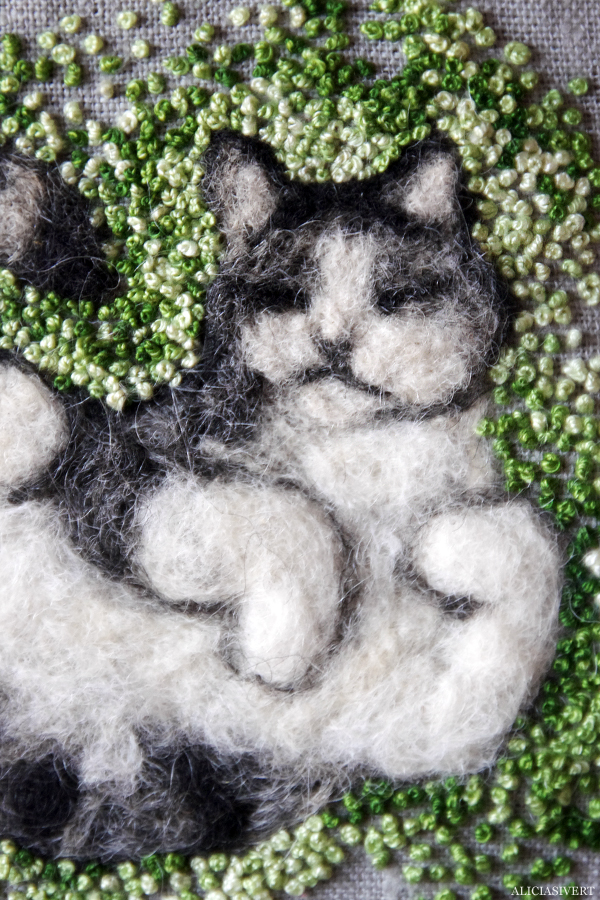 aliciasivert, alicia sivert, alicia sivertsson, broderi, embroidery, needlework, textile, craft, hantverk, slöjd, hand made, diy, do it yourself, alster och makeri, cat, katt, teno, needlefelt needle felt, felted, nåltova, nåltovning, tova, tovning, nål, french knots, franska knutar