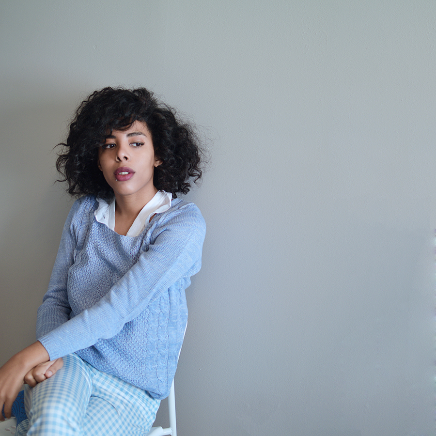 Blipster Indie Fashion Blogger Anais Alexandre of Down to Stars in pastels for Fall