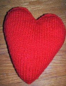 http://translate.google.es/translate?hl=es&sl=en&tl=es&u=http%3A%2F%2Fax174.blogspot.com.es%2F2006%2F02%2Fmy-own-pattern-iii-heart-shaped-pillow.html