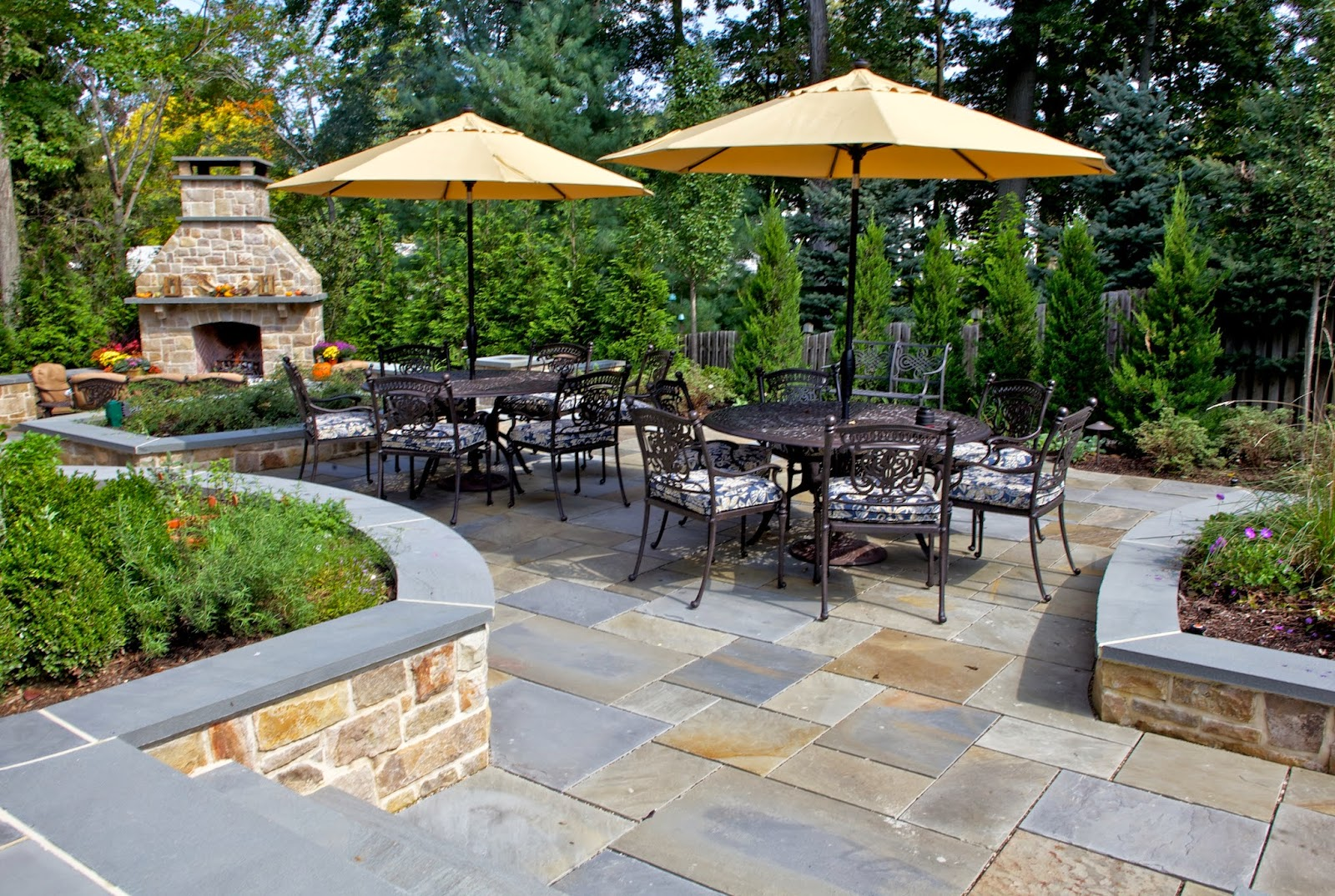 Backyard patio pavers patio design ideas Designer backyards