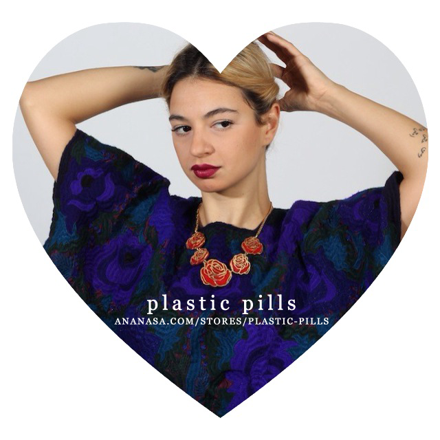 http://www.ananasa.com/stores/plastic-pills