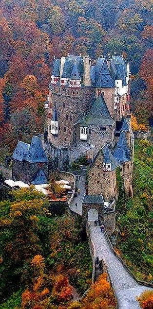 Eltz_Castle