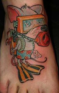 Desenhos tattoo cor pé