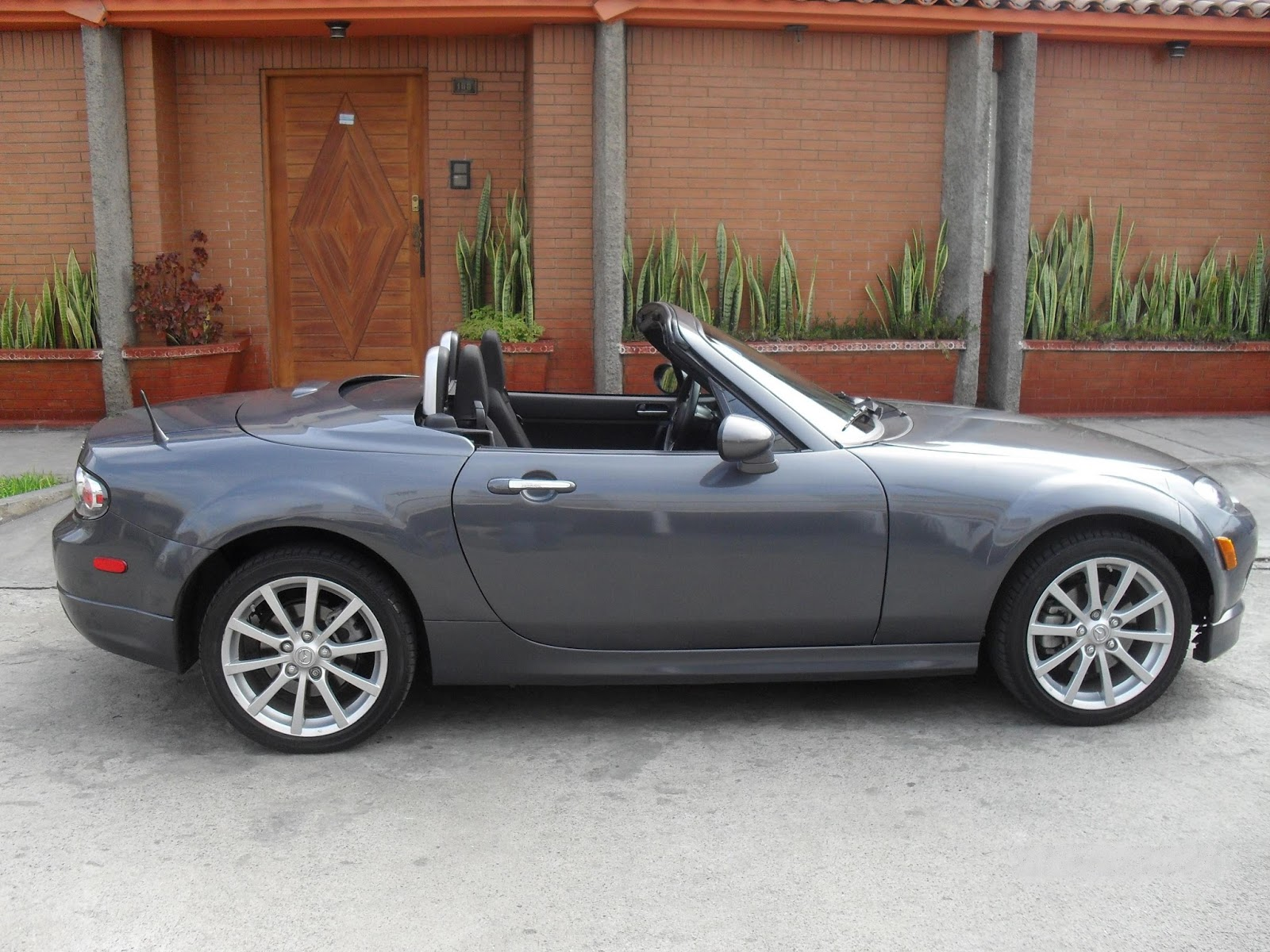 mazda mx 5 miata sport convertible car review car wallpaper prices specification. Black Bedroom Furniture Sets. Home Design Ideas
