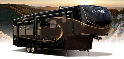 2016 Luxe Fifth Wheel RV by Augusta