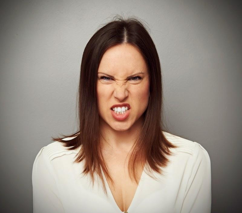 Por que todo mundo faz a mesma cara quando está irritado?