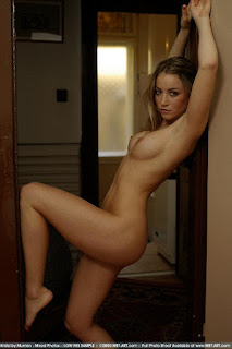 Naughty Girl - sexygirl-kristzi_12-767203.jpg