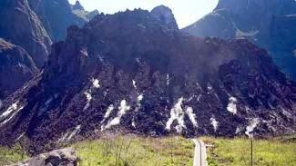 FOTO LETUSAN GUNUNG KELUD 2014 Gambar Debu Gunung Kelud Meletus Lengkap Terbaru