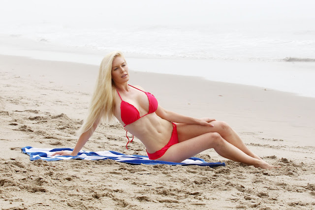 Heidi Montag bikini body
