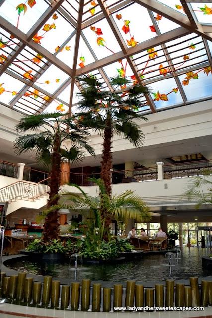 Fujairah Rotana Resort and Spa's lobby