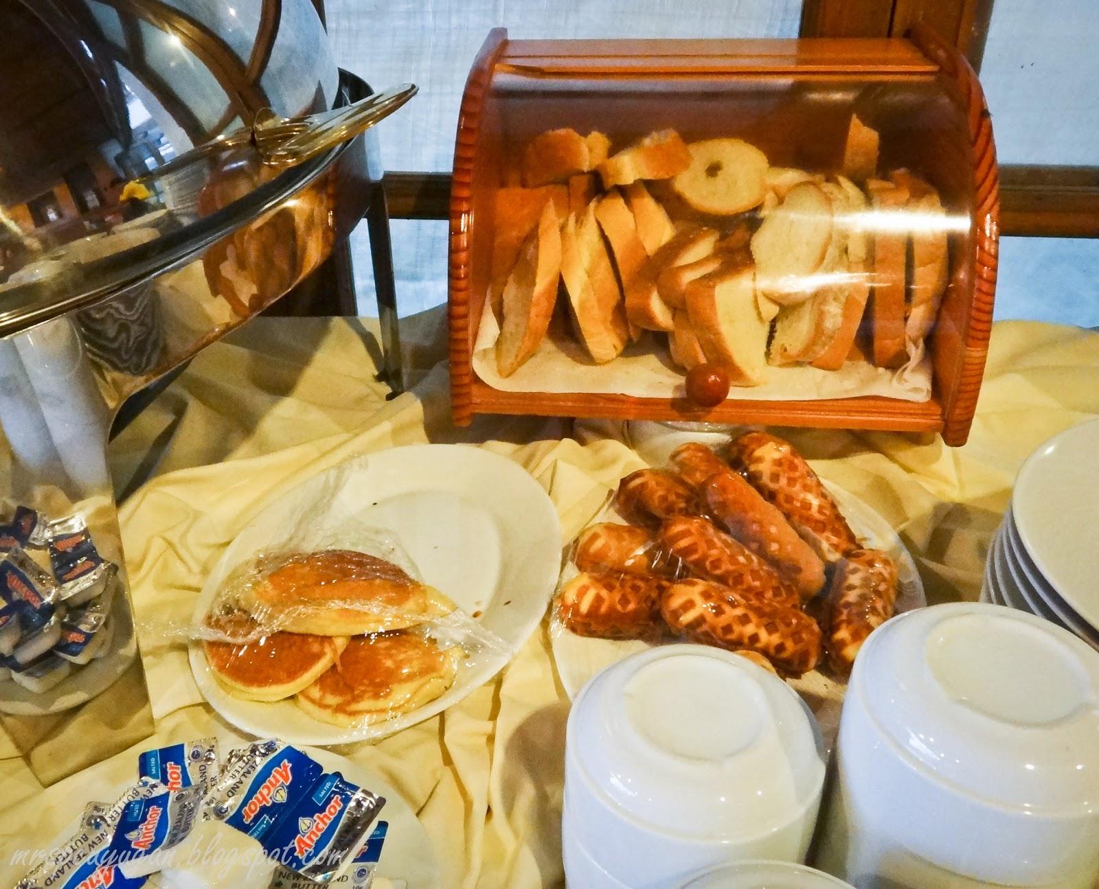 Bread Hotcakes And Waffles