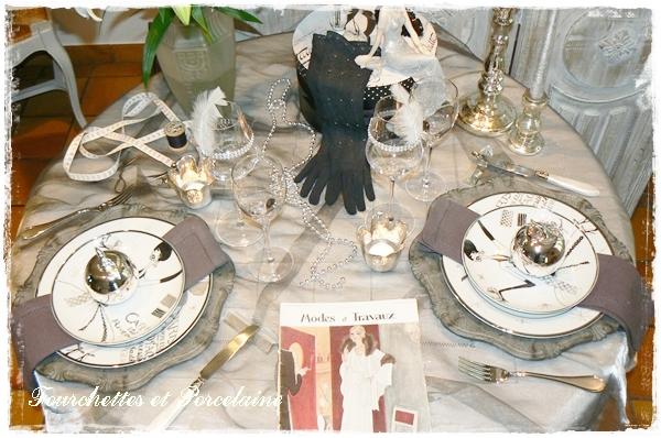 fourchettes et porcelaine table mode annees folles. Black Bedroom Furniture Sets. Home Design Ideas