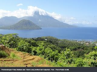 Pulau Tidore dan Pulau Maitara