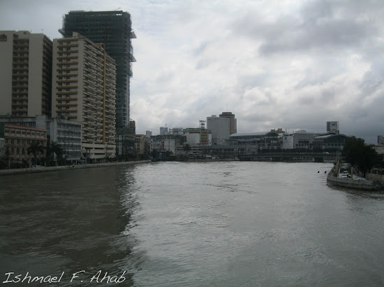 Pasig River and MacArthur Bridge as viewed from Jones Bridge.