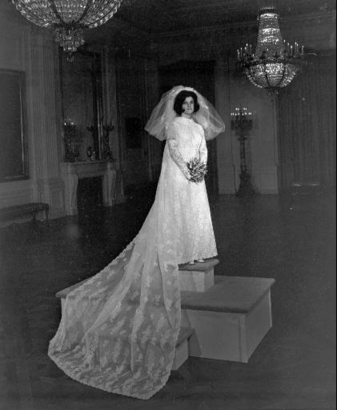 Couture Allure Vintage Fashion: Priscilla of Boston and White House ...
