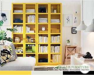 Warna Mustard yellow kuning gradasi di rak buku