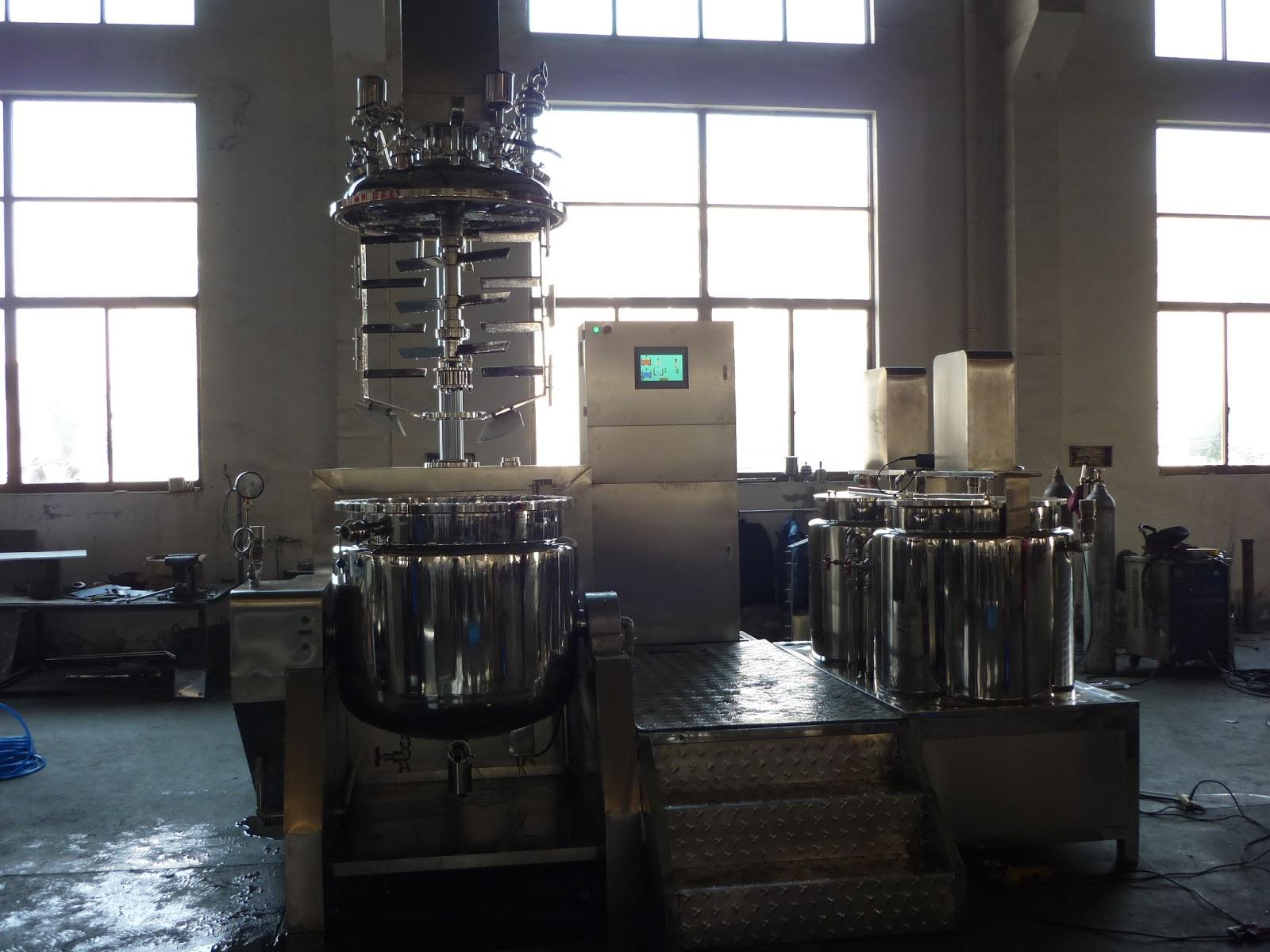Automatic PLC tilting vacuum homogeneous emulsifying machine