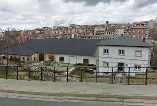 Edificio que alberga las dependencias de Cáritas en Béjar