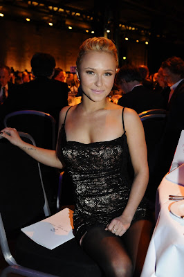 Hayden Panettiere In Black Nylons