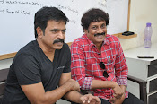 Yevado Okadu movie launch photos-thumbnail-6