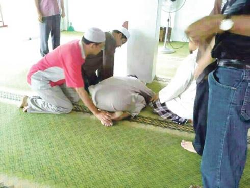 Siak Surau Al-Mujahiddin Menemui Allah Ketika Sedang Sujud