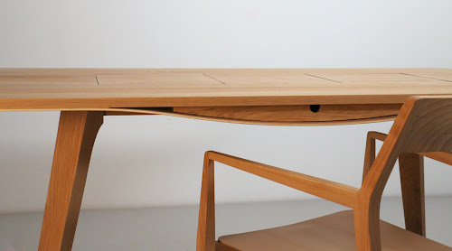 Noga Working Desk by Branca Lisboa
