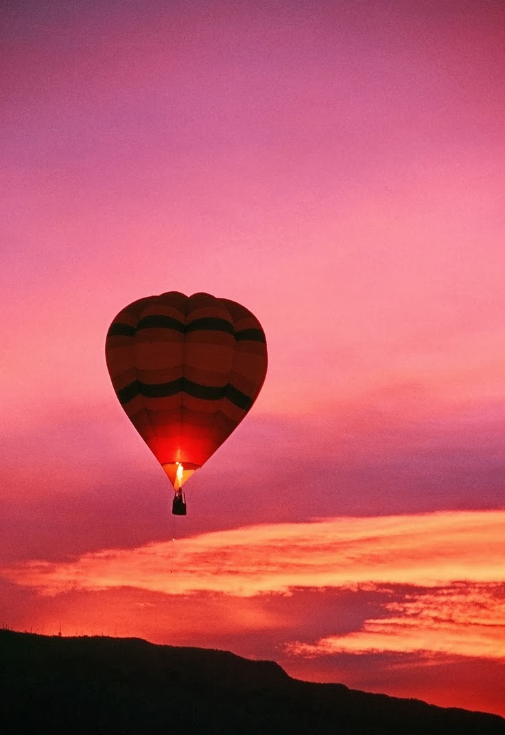 hot-air-balloon-sunset