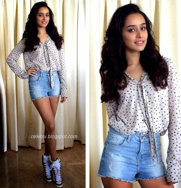 shraddha kapoor short jeans