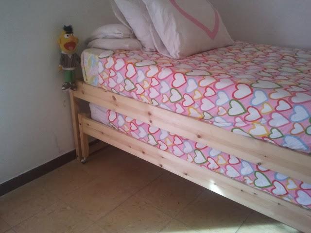 C mo convertir dos camas fjellse en una cama nido mi for Como hacer una cama nido con cajone